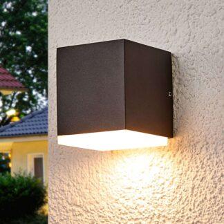LED-vägglampa Sarah med plastdiffusor, utomhus