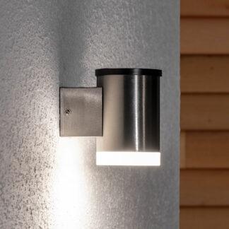 LED-utomhusvägglampa Tyson, solcell, rund, klar