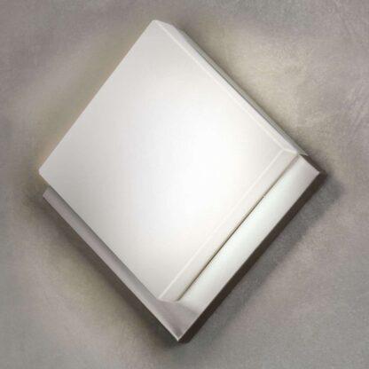 Rombformad LED-utomhusvägglampa Infesto 1