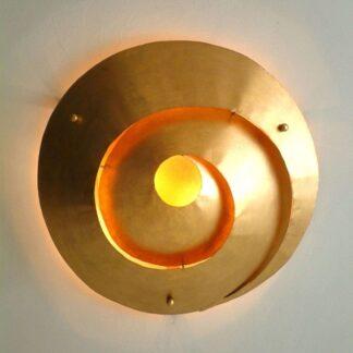 Stilfull tak-/vägglampa LABIRINTO i guld