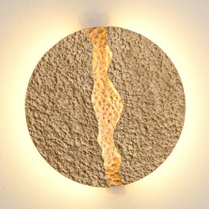 Eruption - rund, guldfärgad LED-vägglampa