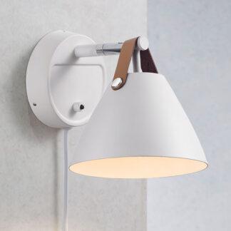 Vägglampa Strap med läderremmar, vit